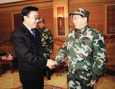措在拉萨会见了武警部队政治委员喻林祥上将、副司令员霍毅中将一图片