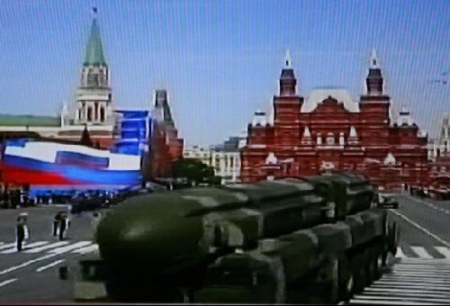 综合报道,俄罗斯于莫斯科时间9日上午10点(北京时间14点)在莫斯科红场