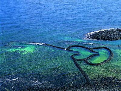 澎湖列岛位于台湾海峡的南部