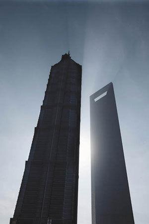 上海现代设计集团华东规划建筑设院副院长李东君参与了1993年陆家嘴