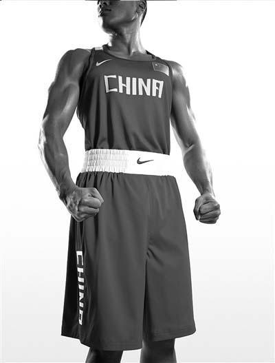 这次奥运会,中国体育代表团参赛选手所穿的运动服装将由不同的赞助图片