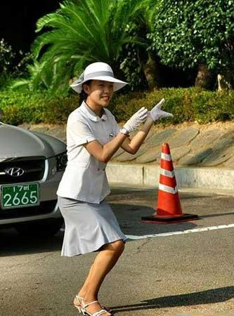 SOUTH Korean traffic girls!! F55ee7bff3aeb15dd09bdbe76c64322e