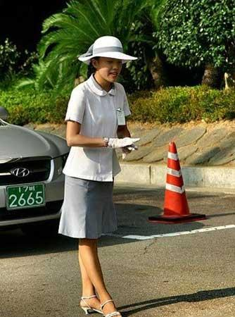 SOUTH Korean traffic girls!! Fbd4a480df77eac7df909846500b3ec9