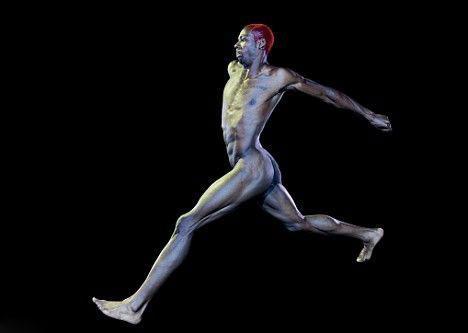 裸体 菲利普/三级跳远选手菲利普·艾杜乌展现其古铜色身材
