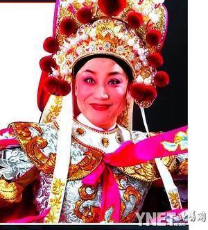 豫剧世家的小香玉,因17岁时主演《花木兰》一夜成名