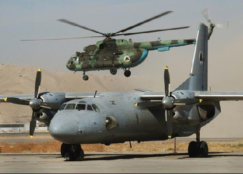 阿富汗空军奇闻百出:机组成员直升机上烤肉串