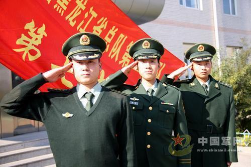 武警07式冬常服亮相 警官面临一年四季打领带图片