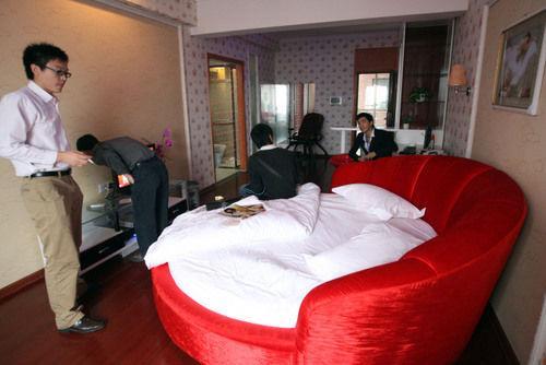 酒店情趣现身长沙3个月员组图1200人(高达情趣用品群的聊天卖图片