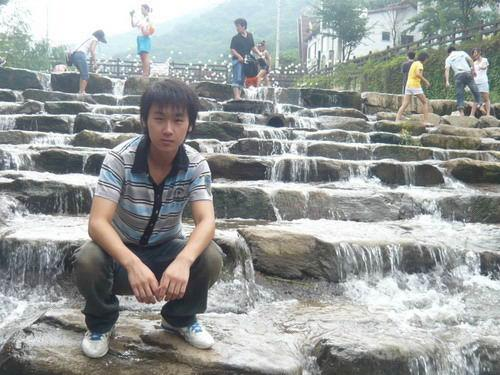 今天上午,原中国乙级联赛青岛黎明足球俱乐部运动员朴龙铉,在韩国龟尾