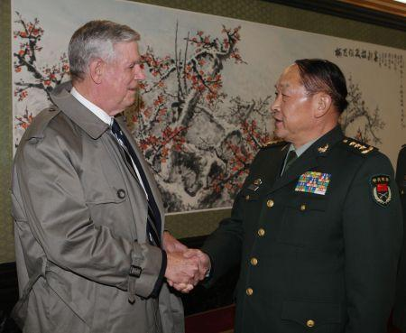 梁光烈:美执意对台军售 危害中国国家安全