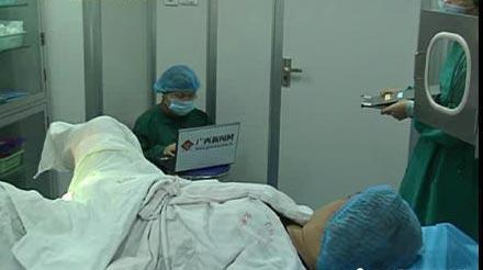 医院现场直播人工采精取卵全过程引发争议(图