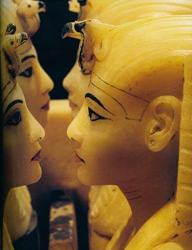 古埃及人生活习惯 十几岁前不穿衣服图片