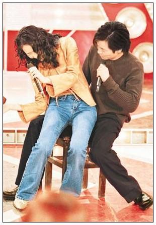 蔡依林赵薇周迅范冰冰 揭秘女星坐上谁的大腿