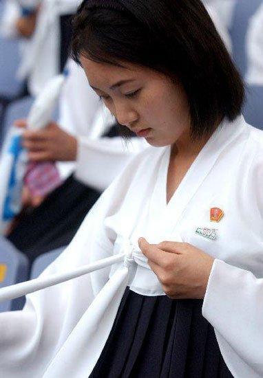 北朝鲜现状图片美女_朝鲜最神秘的美女啦啦队 纯情美女典雅含蓄(图)_资讯_凤凰网