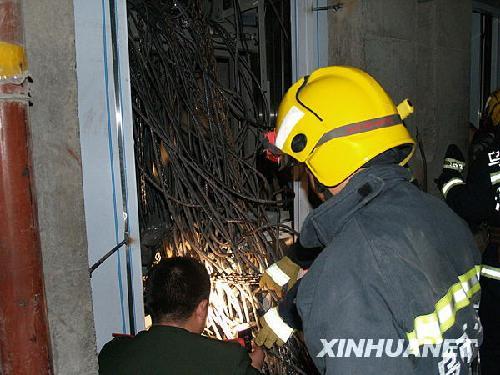 乌鲁木齐一在建高楼发生电梯坠落事故
