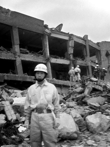 纪念汶川地震一周年 士兵突击 我真的是个兵了图片