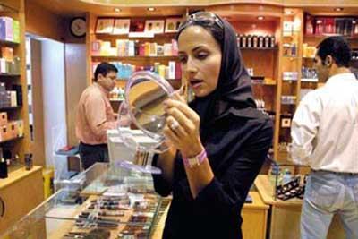 ...小鞋子》、《樱桃的滋味》、《谁能帮我回家》等伊朗电影深深...