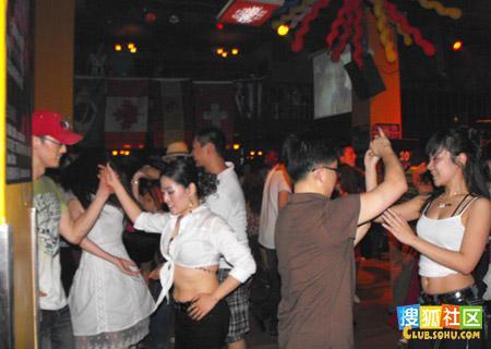 周末在北京三里屯 工体夜店酒吧内的一些情景