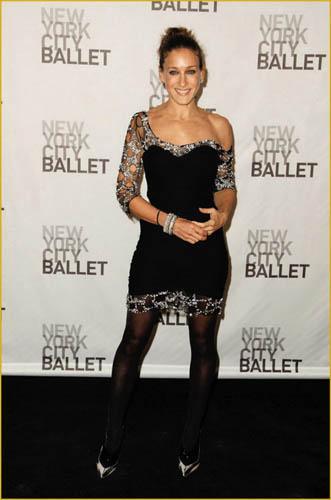 《欲望都市》中她饰演了纽约时尚女作家