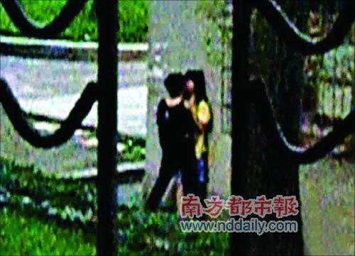 当街接吻视频图