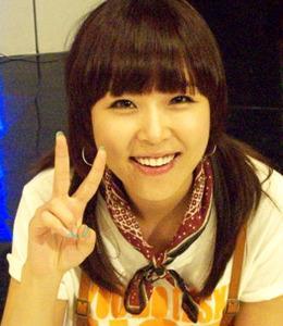 学韩国女星 打造时尚可爱发型