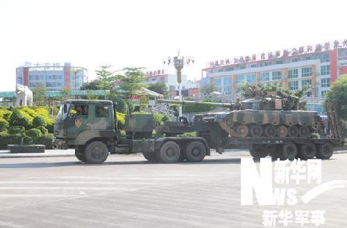 论:解放军猛虎师4昼夜强行军2000公里抵达演习地域(图)