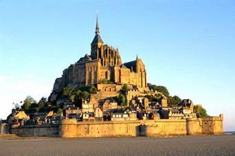 集地 欧洲十大古堡有传奇  省一小岛上,距海岸两公里.小岛呈圆锥形