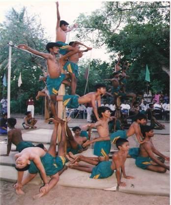 """震惊 印度自古就有""""钢管舞""""(组图)"""