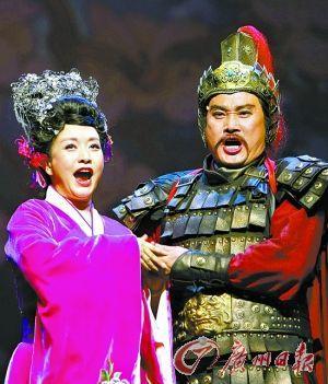 彭丽媛将带团赴日 巡演中国歌剧《木兰诗篇》(图)