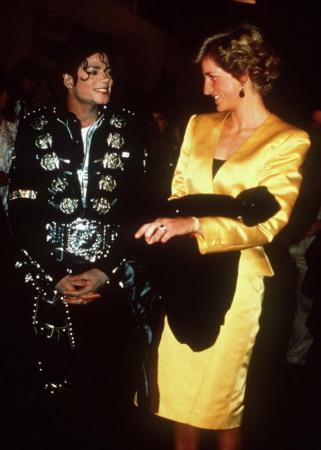 MJ曾崇拜戴安娜王妃 喜欢孩子纯净的世界