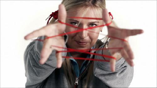 莎娃红鞋带系爱心慈善活动 可爱造型玩翻绳[组图]图片
