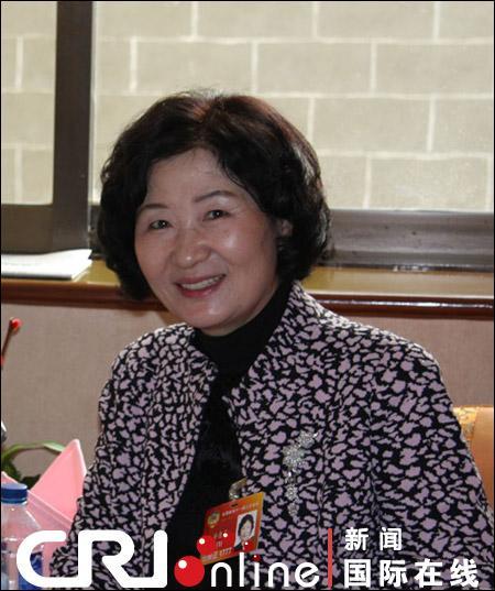 朴惠善委员:加大对少数民族地区的扶持力度