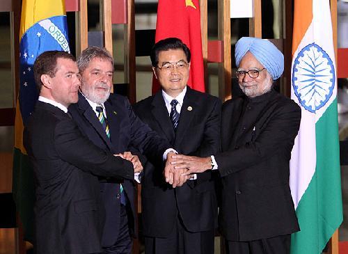 印度总理辛格一起合影.新华社记者刘卫兵摄-金砖四国 领导人合影图片