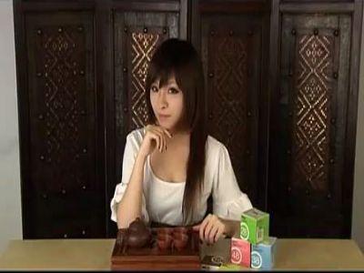 美女vienna教你用安全套泡茶做香水