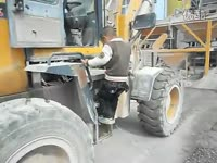 逆天的5岁孩子开铲车!
