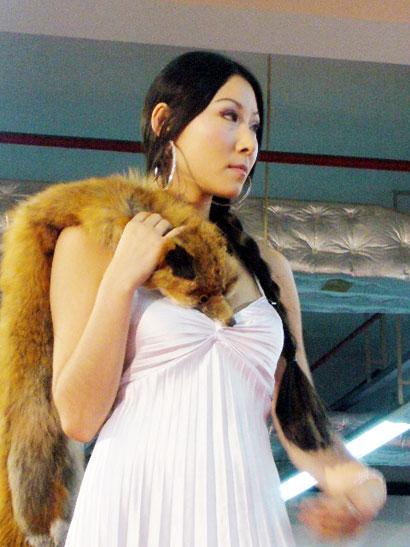 第四届性文化节广州开幕1模特情趣内衣斗秀/图ins+情趣+玩具图片