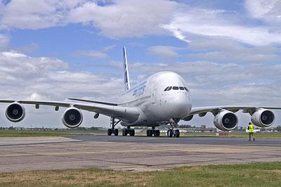 世界最大客机A380本月下旬将首次飞抵中国_资