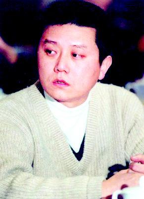 王朔称与冯小刚决裂全为钱 贬张艺谋像装修大师