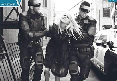 警察抓捕女犯现场直击 创意广告