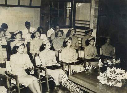 老照片 40年代中国空姐的风采