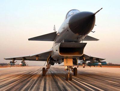 10飞机的气动布局,最简单实用也最 可靠的方法就是仅对进气道做出扩改