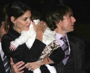 汤姆·克鲁斯老婆_汤姆克鲁斯离婚盘点与妻子恩爱瞬间昔日婚纱