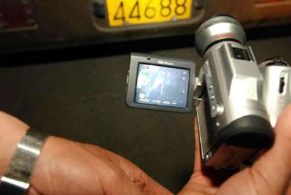 乘客偷拍超载录像报警