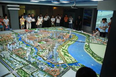 记者来到沈阳采访了和平区已建成的沈水湾公园及在建中的长白岛工程.