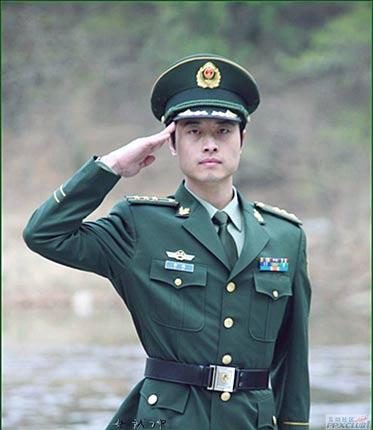 07式军服 设计师 解放军图片