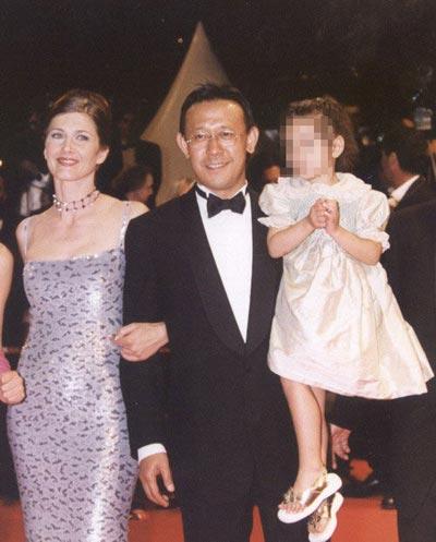 刘晓庆与姜文的女儿_姜文混血女儿意外曝光(图)_娱乐_凤凰网