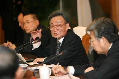 吴邦国参加安徽代表团讨论