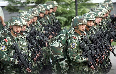 """这是整装待发的中国武警""""雪豹突击队""""队员-中国雪豹突击队初步具图片"""