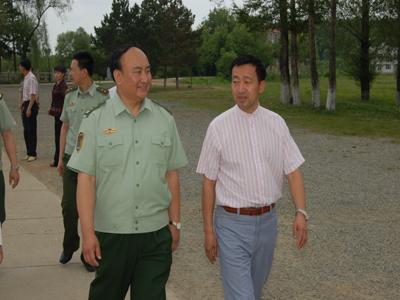 中国武警部队副司令员梁洪中将因病逝世图片