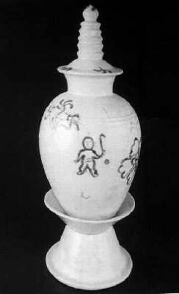 郑州出土绘有古代 曲棍球图 唐代青花瓷器